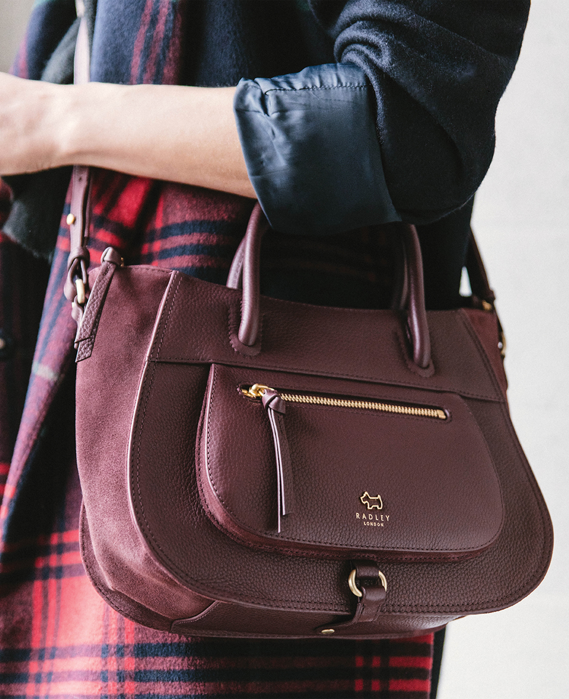 designer-ladies-burgundy-suede-cross-body-bag-radley-02